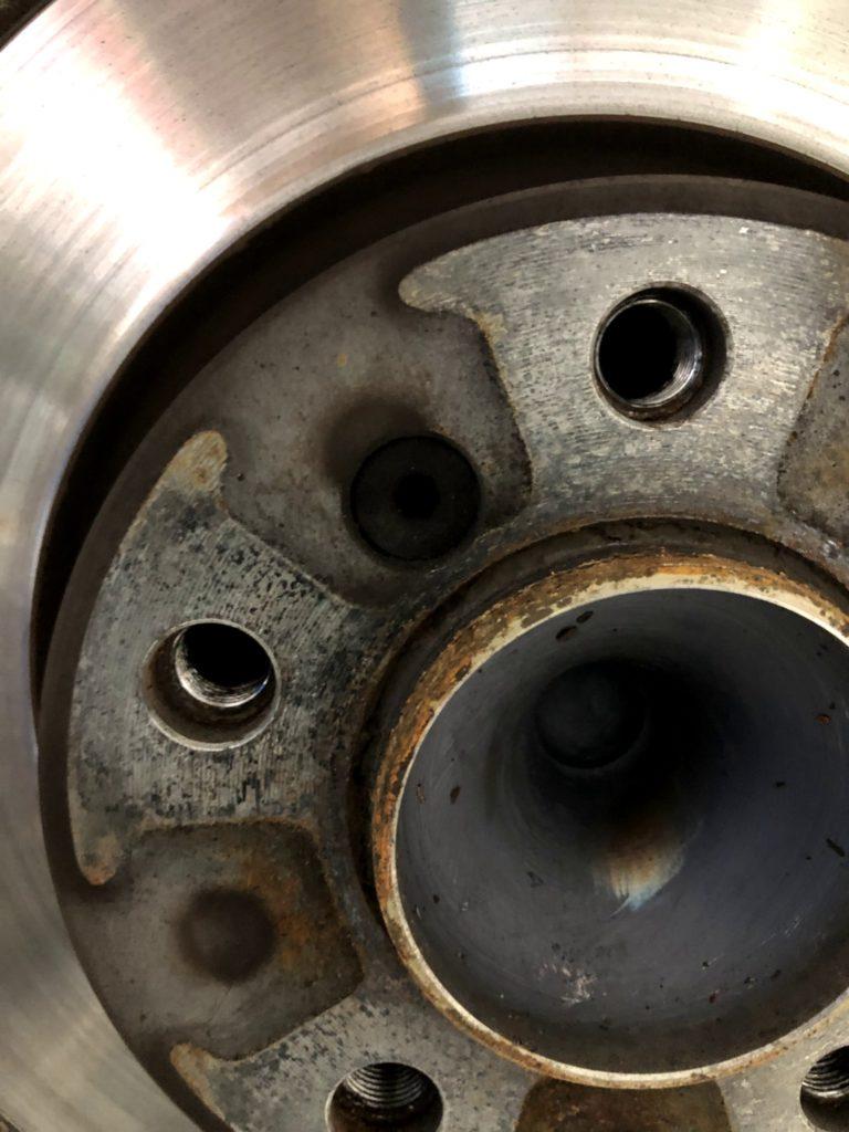 MINI CROSSOVER R60 ローター固定ボルト