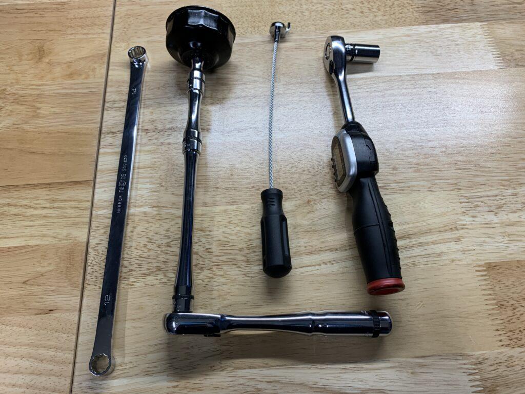 エンジンオイル交換時使用工具