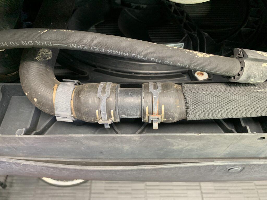 MINI CROSSOVER R60冷却ホース
