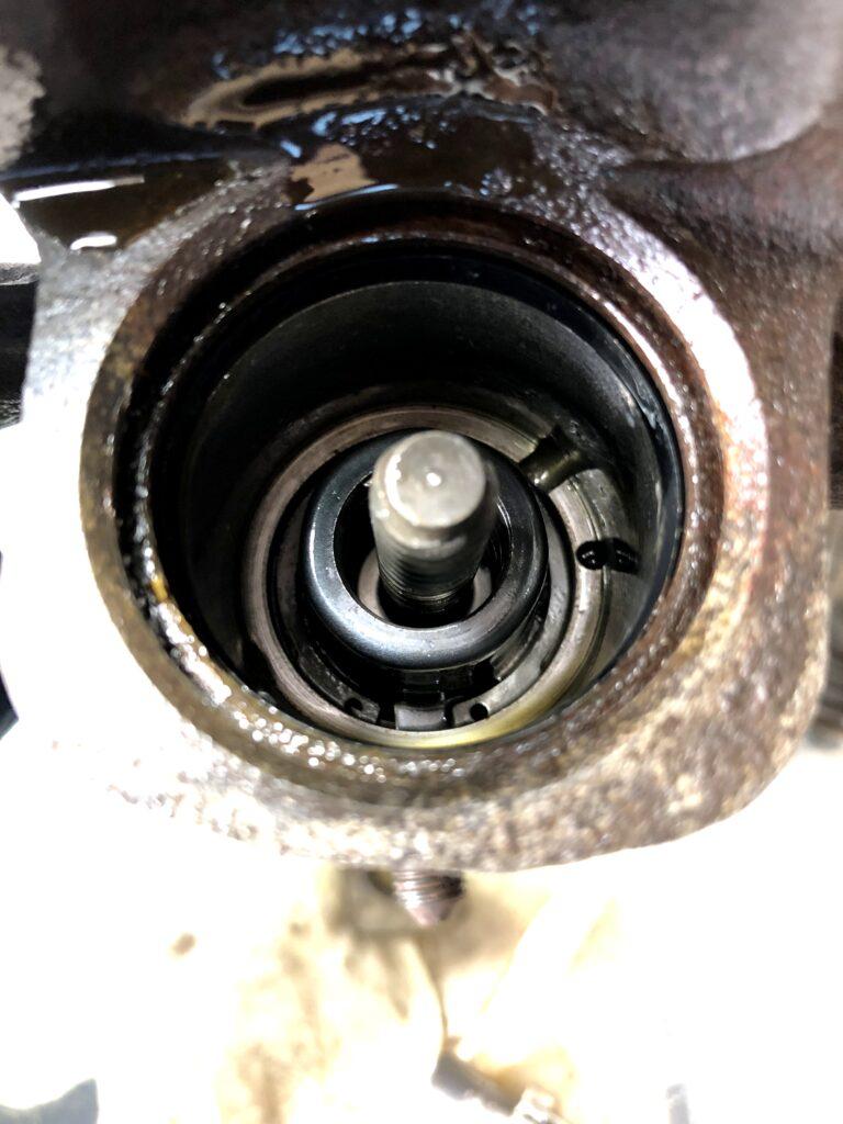 S15 シルビア リヤ ブレーキ オーバーホール シリンダーボディ側